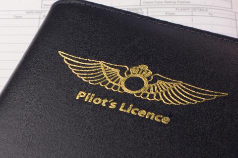 Pilot licence revalidation and renewal